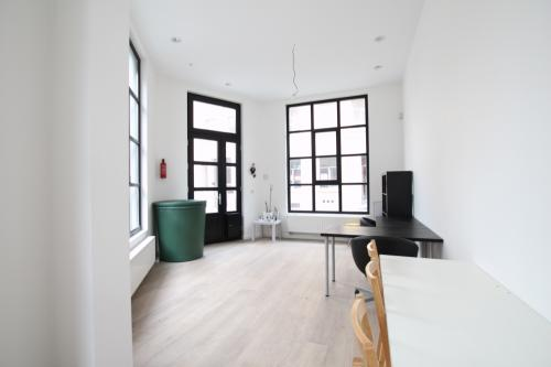 for rent - ST GILLES