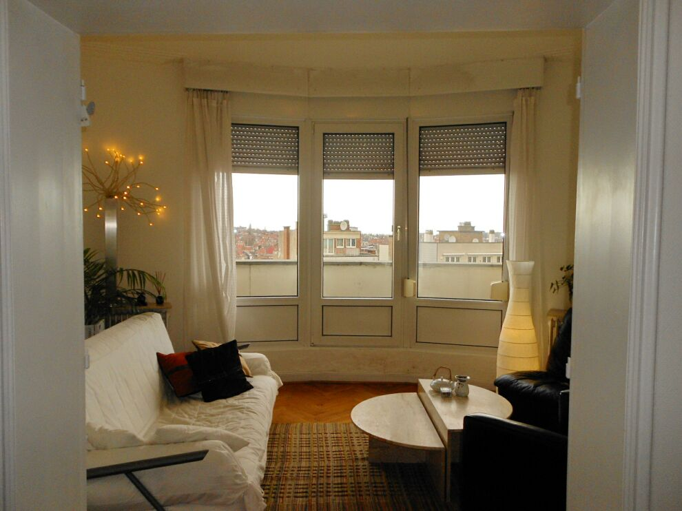 photo_NEAR CINQUANTENAIRE, PENTHOUSE FURNISHED 2 BEDROOM + TERRACE