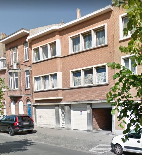 photo_Investment opportunity! Building of 4 units + 25 closed boxes