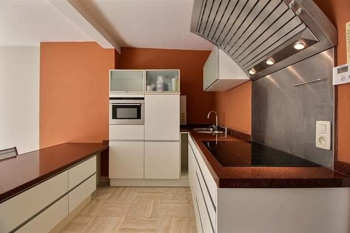 photo_Val Duchesse area, magnificent 2 bedroom apartment with Balcony + Parking.