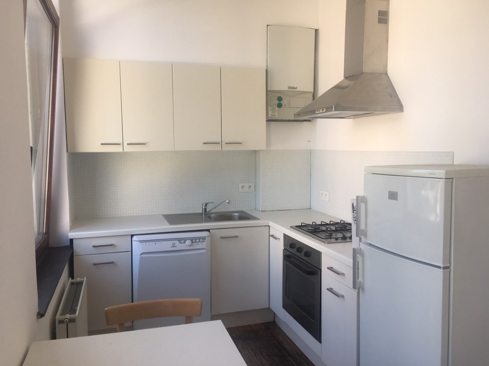 photo_Place Jourdan / EEC. 1 bedroom furnished apartment with balcony