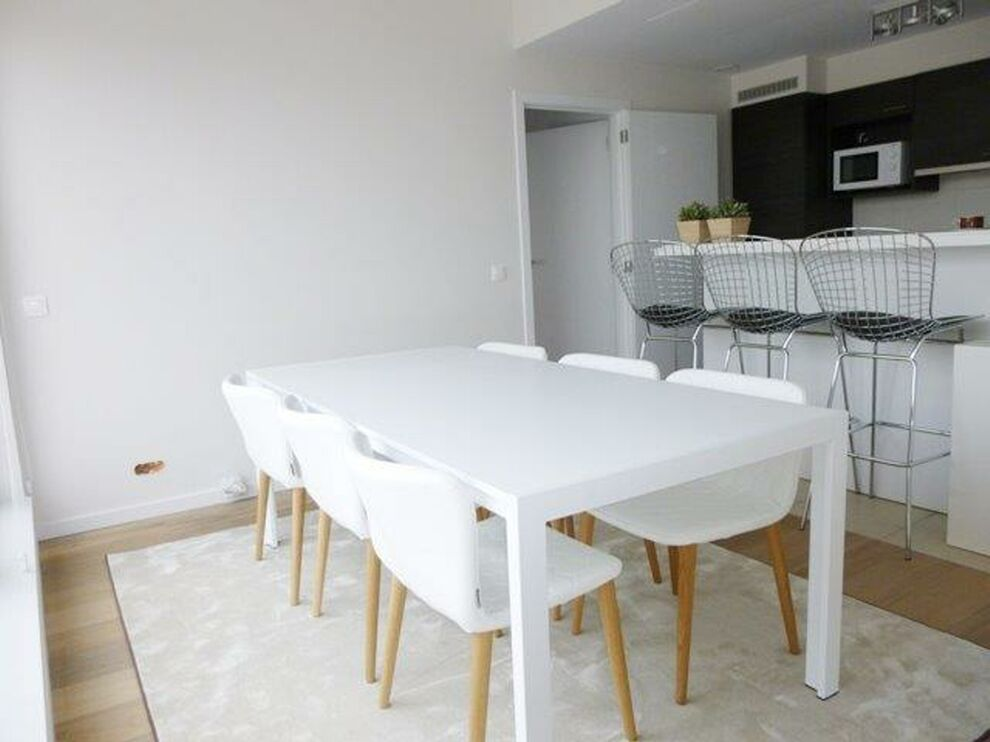 photo_Luxembourg Square - 3 bedroom furnished apartment + TERRACE