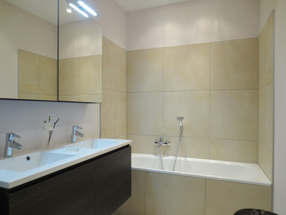 photo_Place du Luxembourg - apartment 2 bedrooms furnished with GARDEN !!