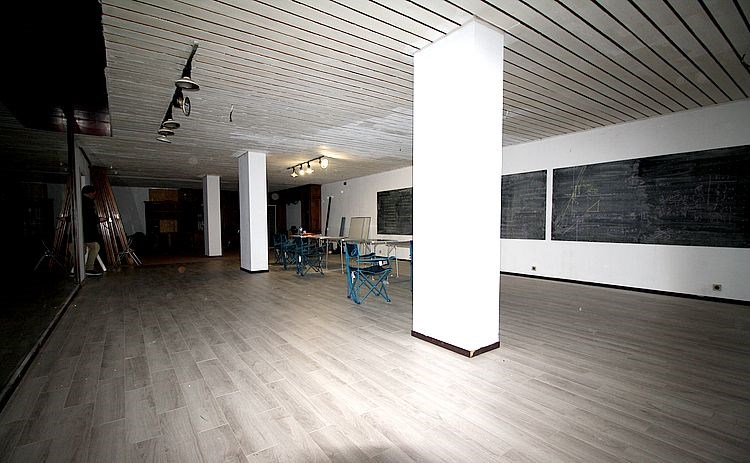 photo_TRADE OR OFFICE + -250M²