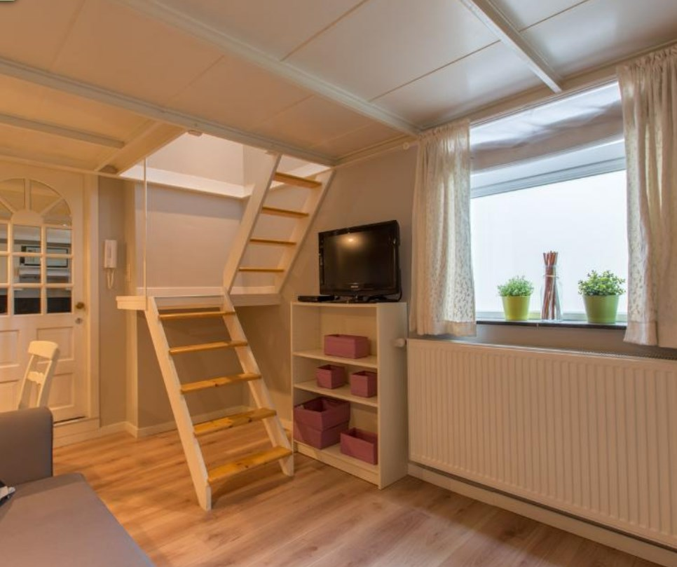 photo_Square Ambiorix  - charming 1 bedroom furnished apartment for rent!