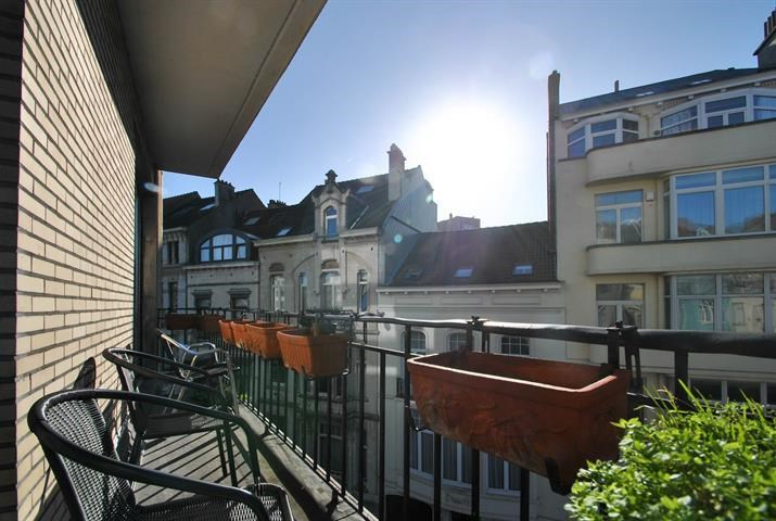 photo_Between Cinquantenaire and Montgommery 3 bedrooms + terrace + pkg