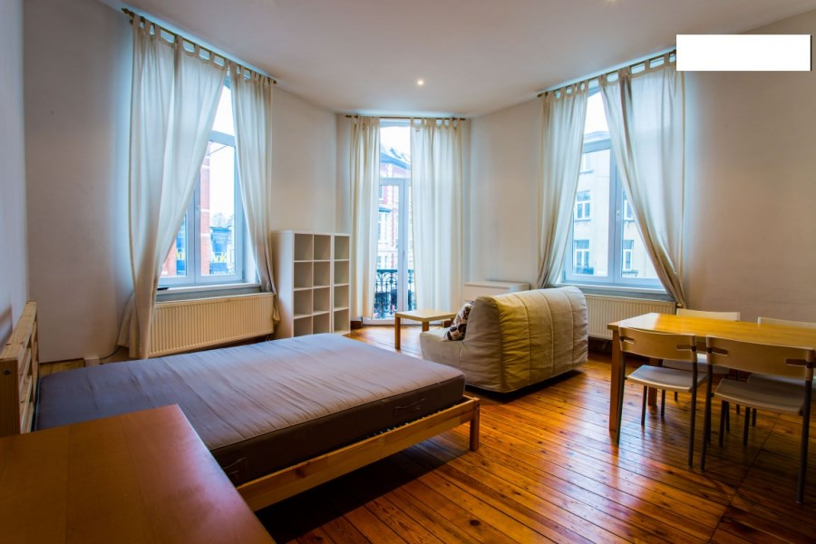 photo_Schuman - Beautiful Furnished Studio