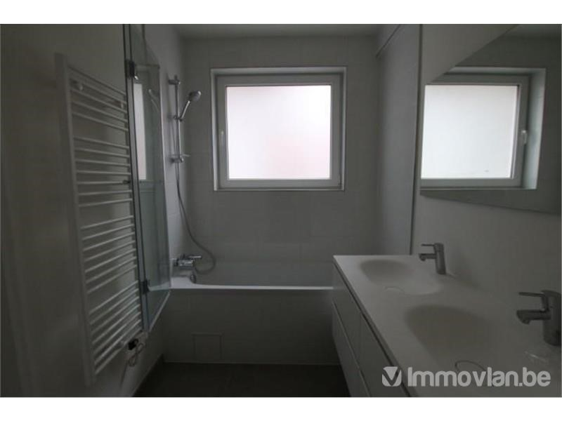 photo_Molière Avenue! Furnished apartment with 2 bedrooms and terrace