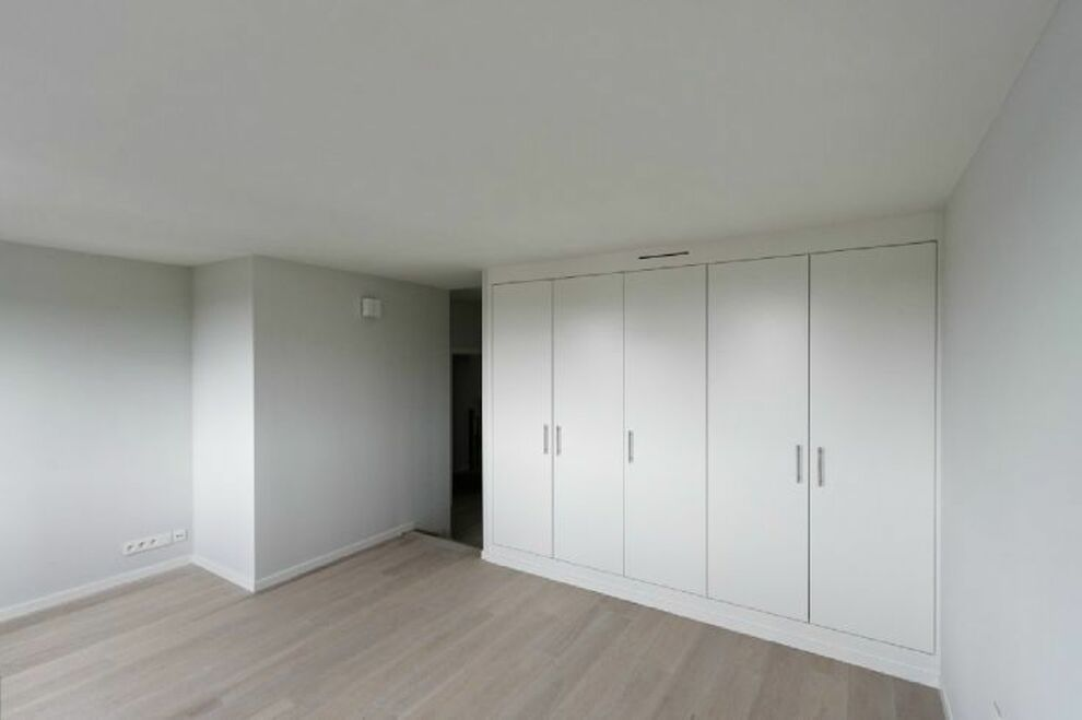 photo_LOUISE, Residential area, Beautiful apartment 2 bedrooms with TERRACE!
