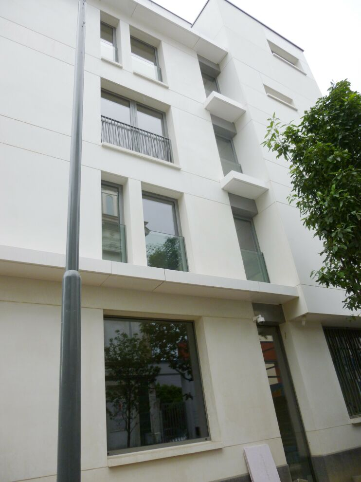 photo_Place Luxembourg - Furnished STUDIO for RENT + TERRACE