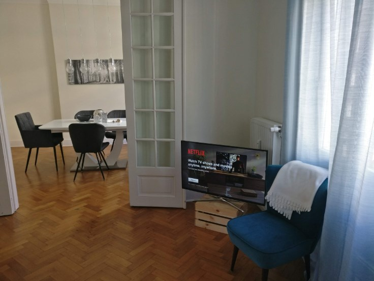 photo_Jubilee! 1 bedroom furnished apartment with 3 balconies
