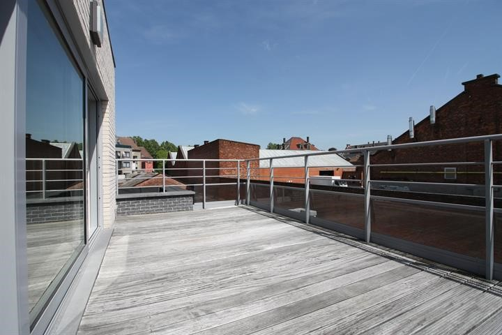 photo_European district! Appart 3 bedrooms FURNITURE + TERRACE!