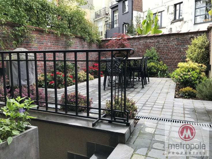 photo_QUARTIER LOUISE  / MAISON DE MAITRE 5CH 350m² /2 PARKINGS/JARDIN