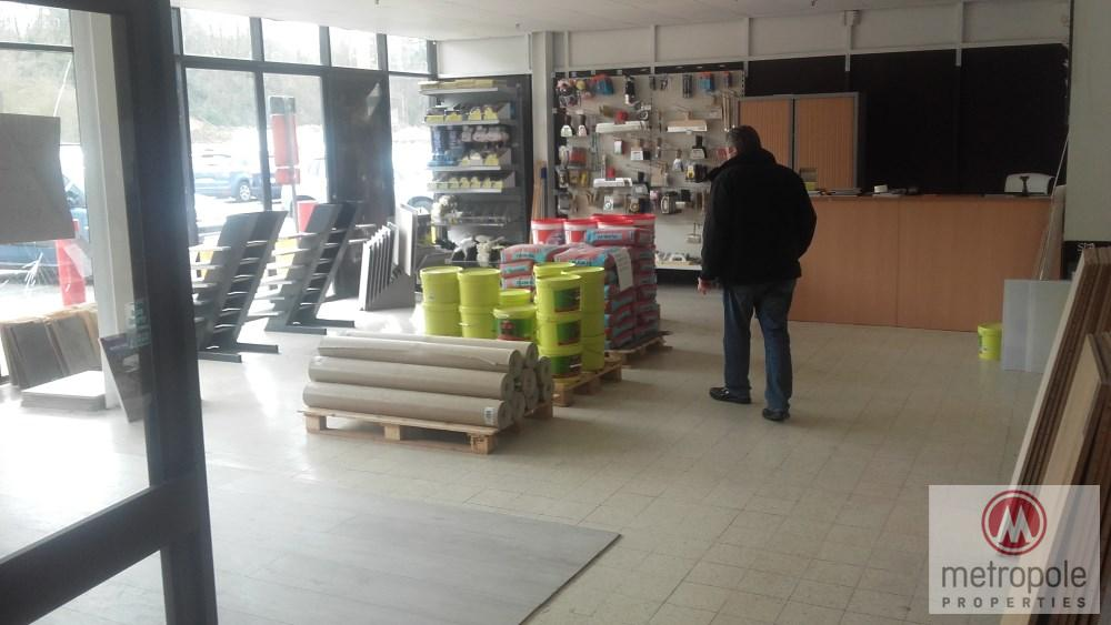 photo_  DELHAIZE TUBIZE CENTRE BEAU MAGASIN 100 M² RENOV. ENTREE  GRAND PARK