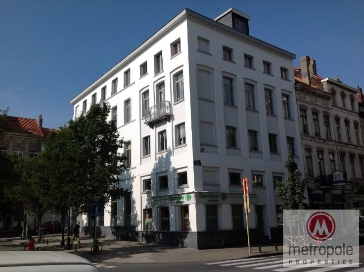 photo_RUE DU TRONE - SUPERBE APPARTEMENT 2 CH - COLLOCATION POSSIBLE