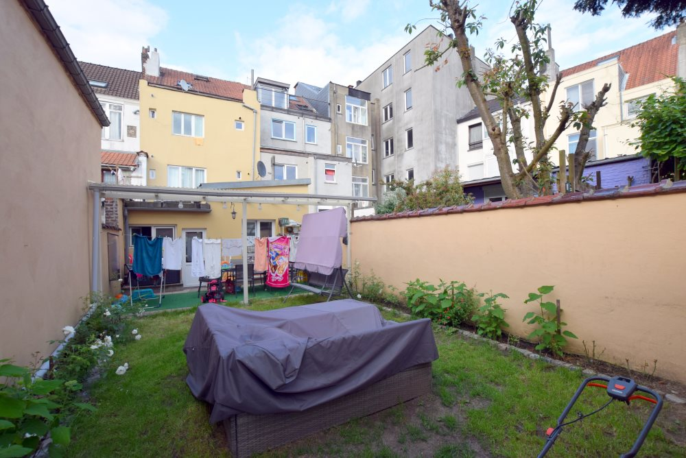 photo_Imm. de rapport +/-300m² comprenant 3 logements reconnus !!