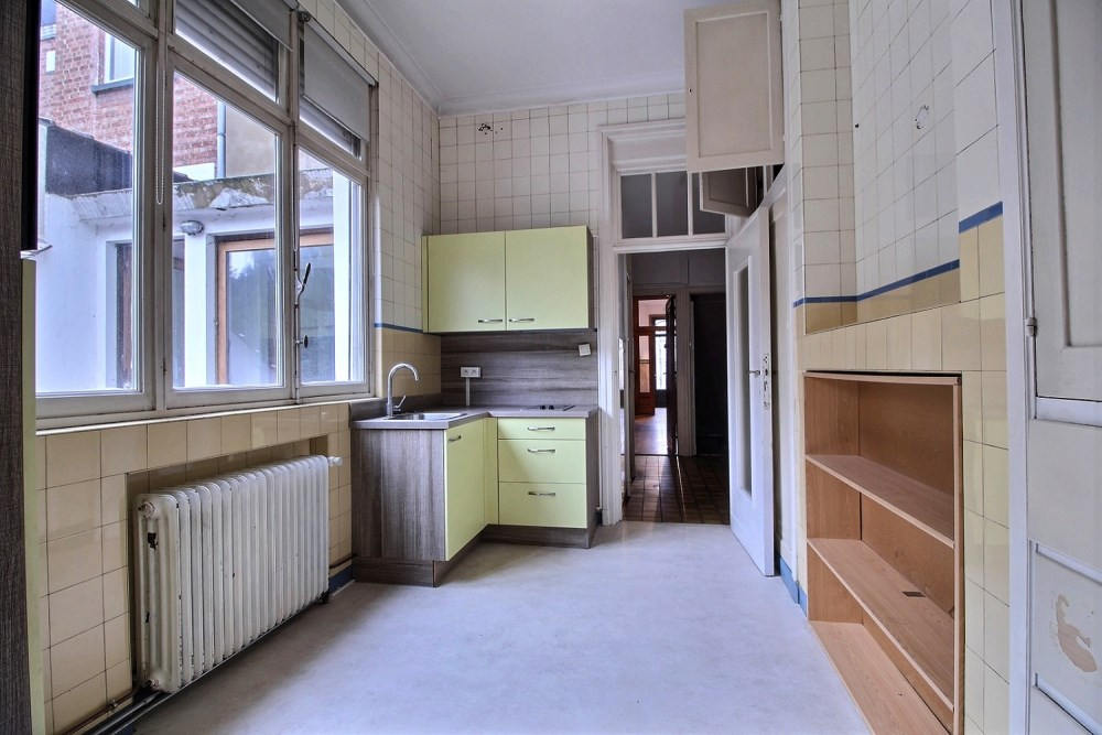 photo_Apartment building with 4 apartments to renovate