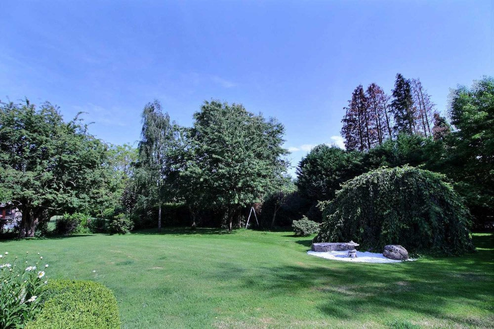 photo_Beautiful villa ideally located with exceptional garden
