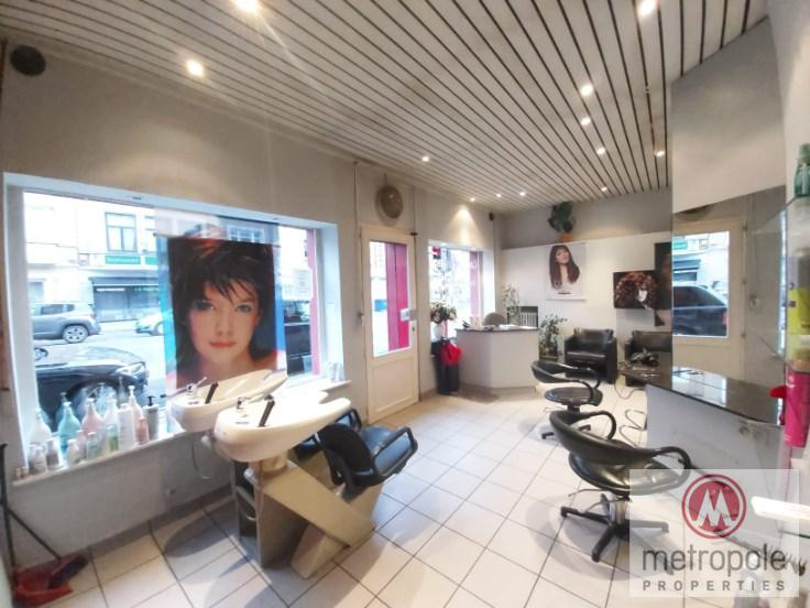 photo_SHOP 47 SQ.M. - EX HAIRDRESSER - POSSIBILITY TO BUY ALSO THE BUSINESS PREMISES