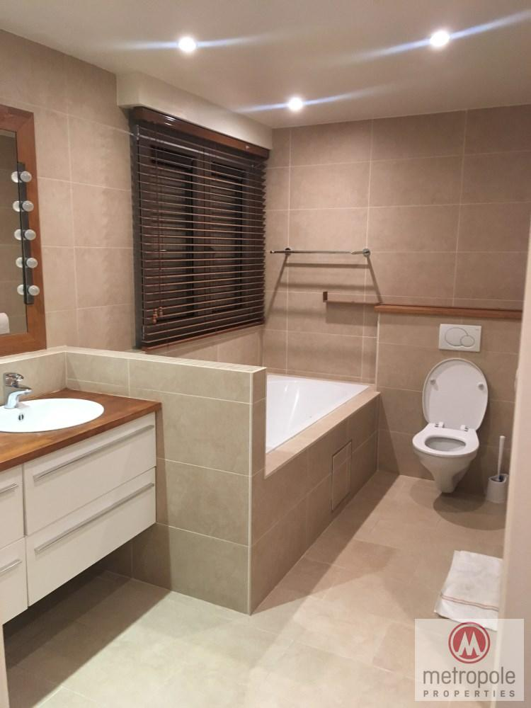 photo_INCROYABLE APPARTEMENT 2 CHAMBRES, TERRASSE 50M², PISCINE