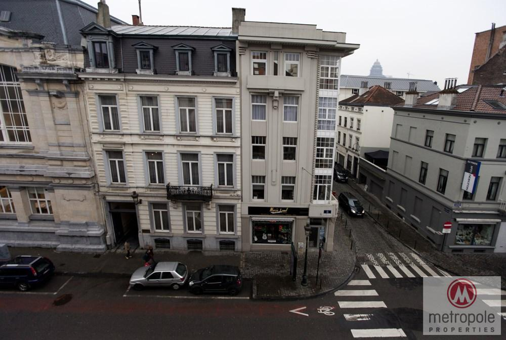 photo_GREAT SQUARE - DUPLEX PENTHOUSE 100M² - 2 BEDROOMS FURNISHED - 2 TERRACES
