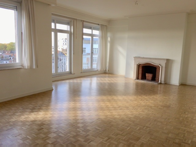 photo_Chatelain area: Very nice 2 bedrooms apartment