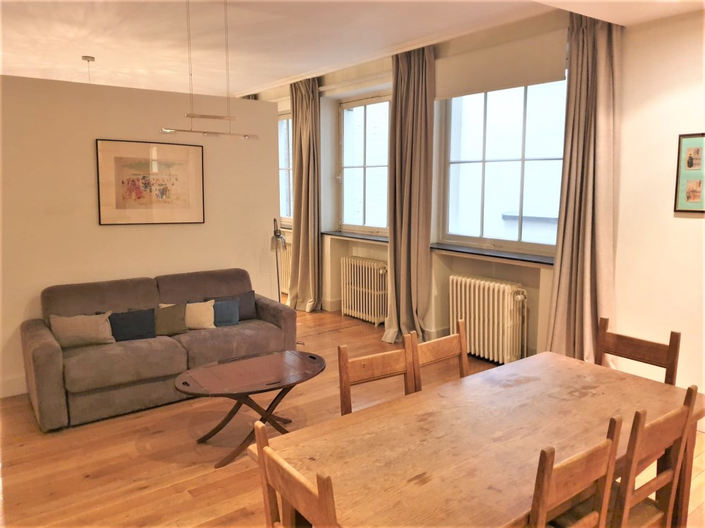 photo_Between Grande-Place and Sablon, large furnished studio with separated bedroom