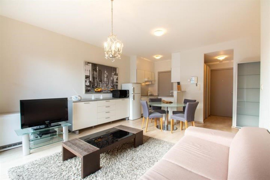 photo_Val Duchesse - Bright cozy and furnished 1 bedroom apartment