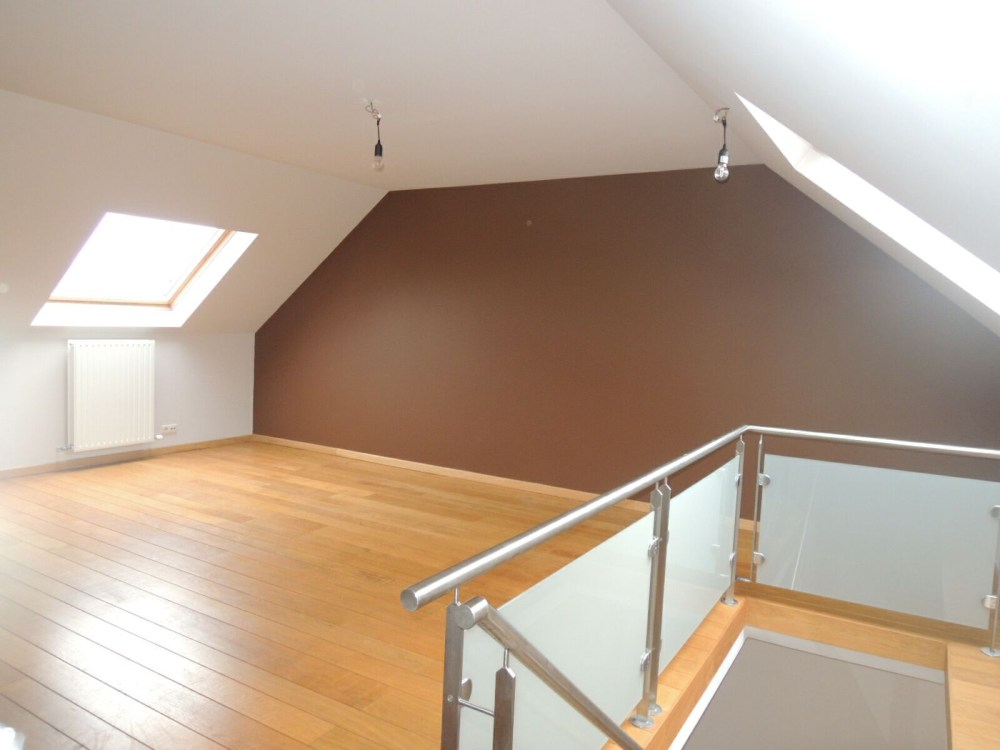 photo_Close to Montgomery, very nice penthouse with terrace