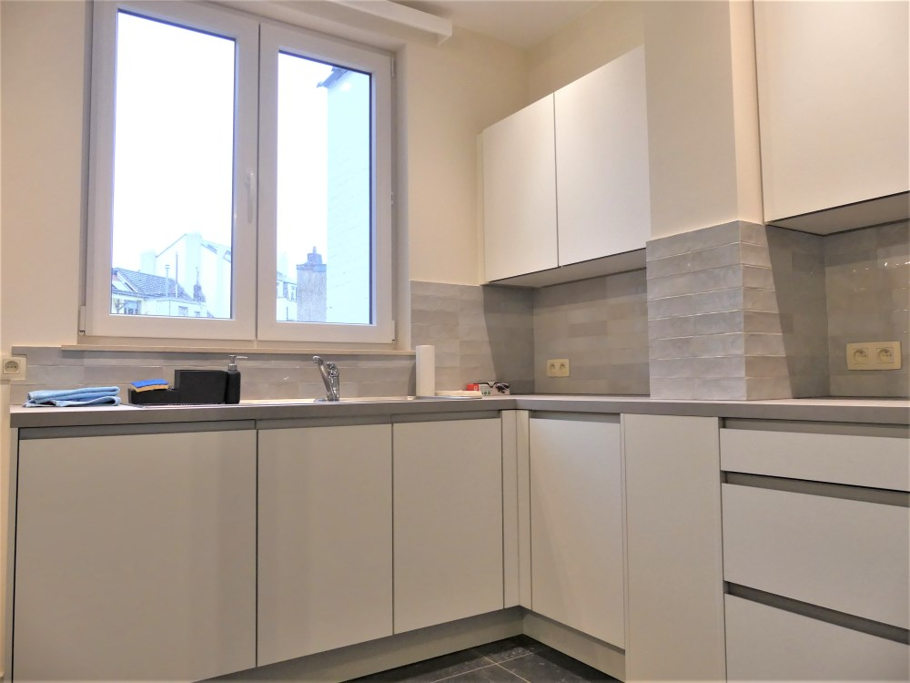 photo_ULB area, very nice 2 bedroom renovated & unfurnished apartment