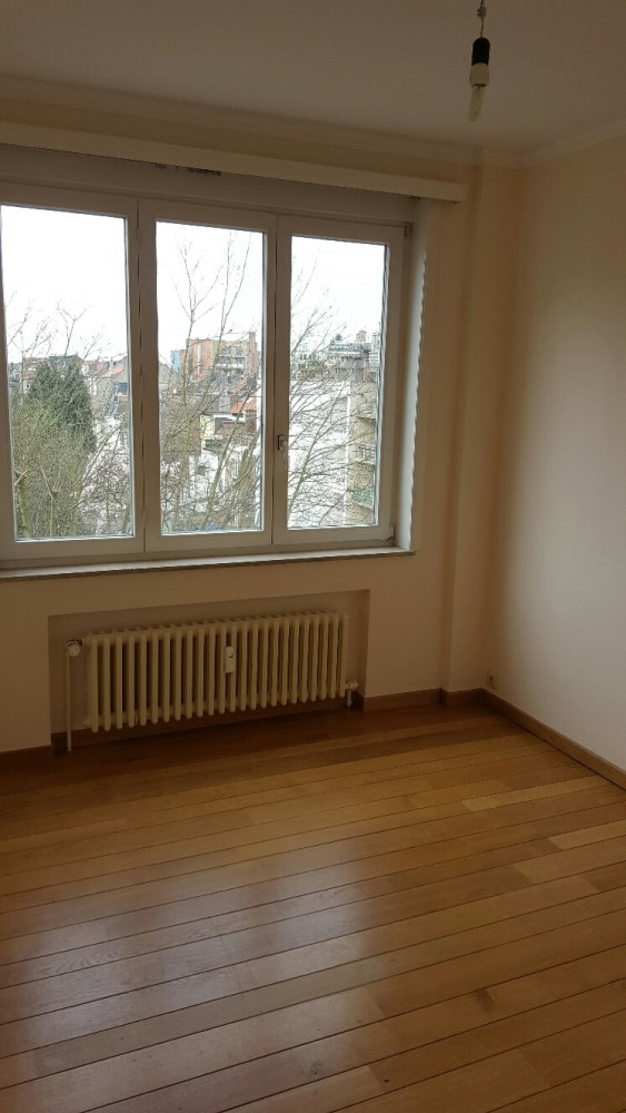 photo_2 Bedrooms unfurnished with garage for rent close to Diamant and Meiser