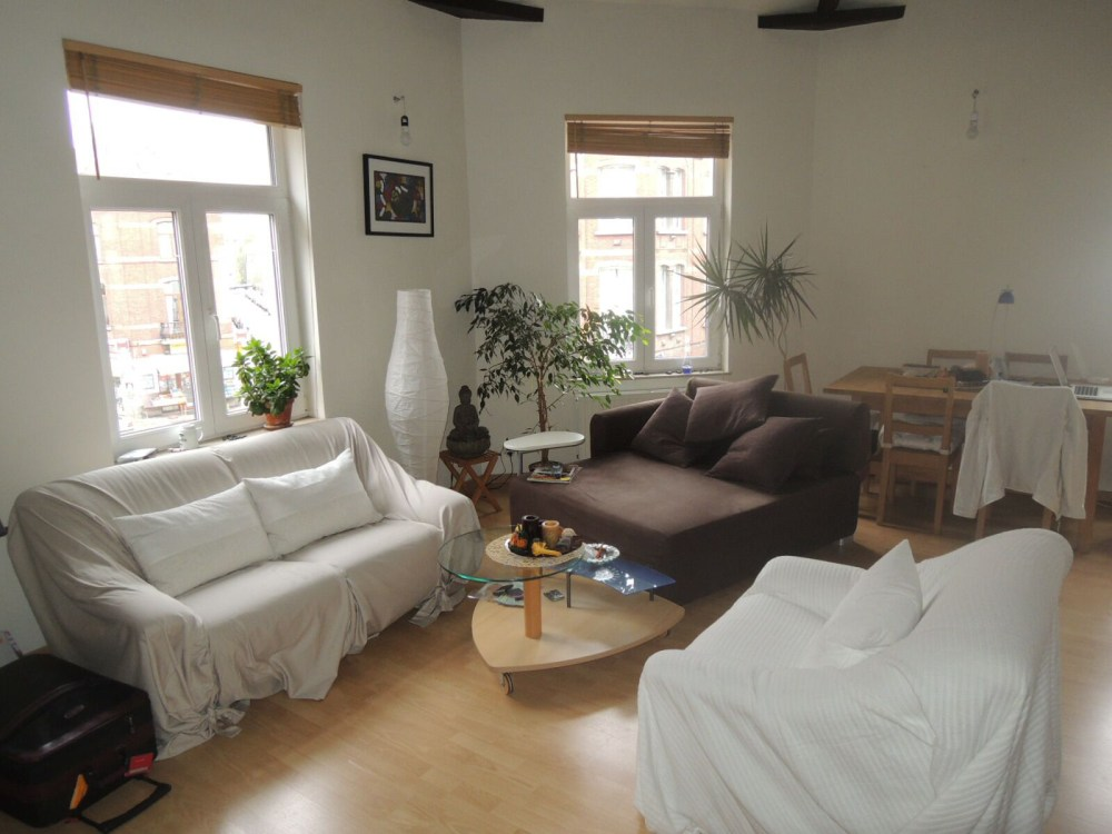 photo_Close to Etang d'Ixelles, nice unfurnished apartment with 1 bedroom in mezzanine