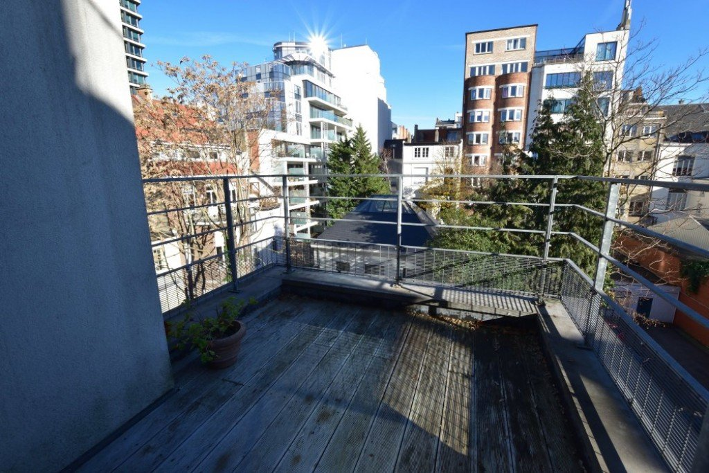 photo_Chatelain, superb unfurnished 1 bedroom apartment in a luxury building