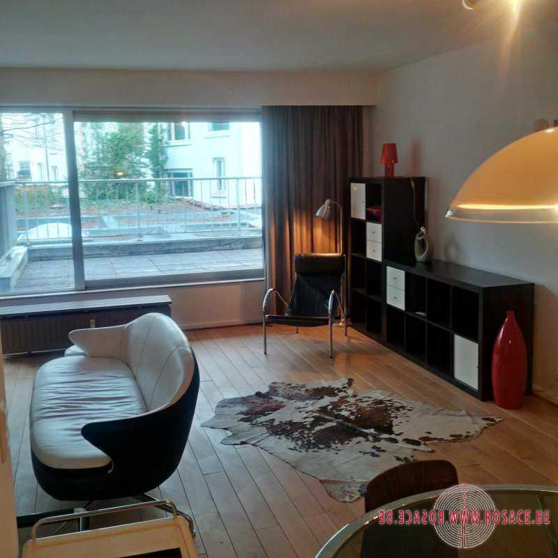 photo_'BRUXELLES LOUISE: APPARTEMENT MEUBLE  & TERRASSE 20m2!